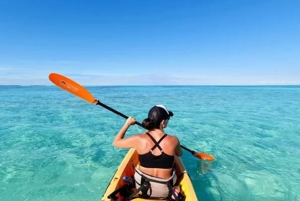 Kayak-on-the-great-blue-sea---St.-Georges-Caye-Resort-Beliz_20200121-193815_1