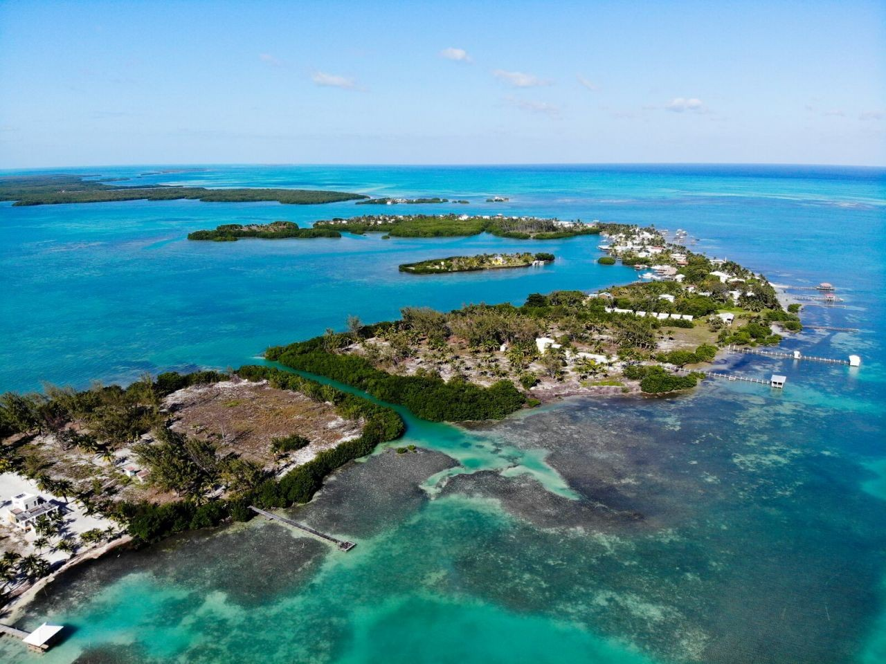 St.-Georges-Caye-Resort-from-the-sky