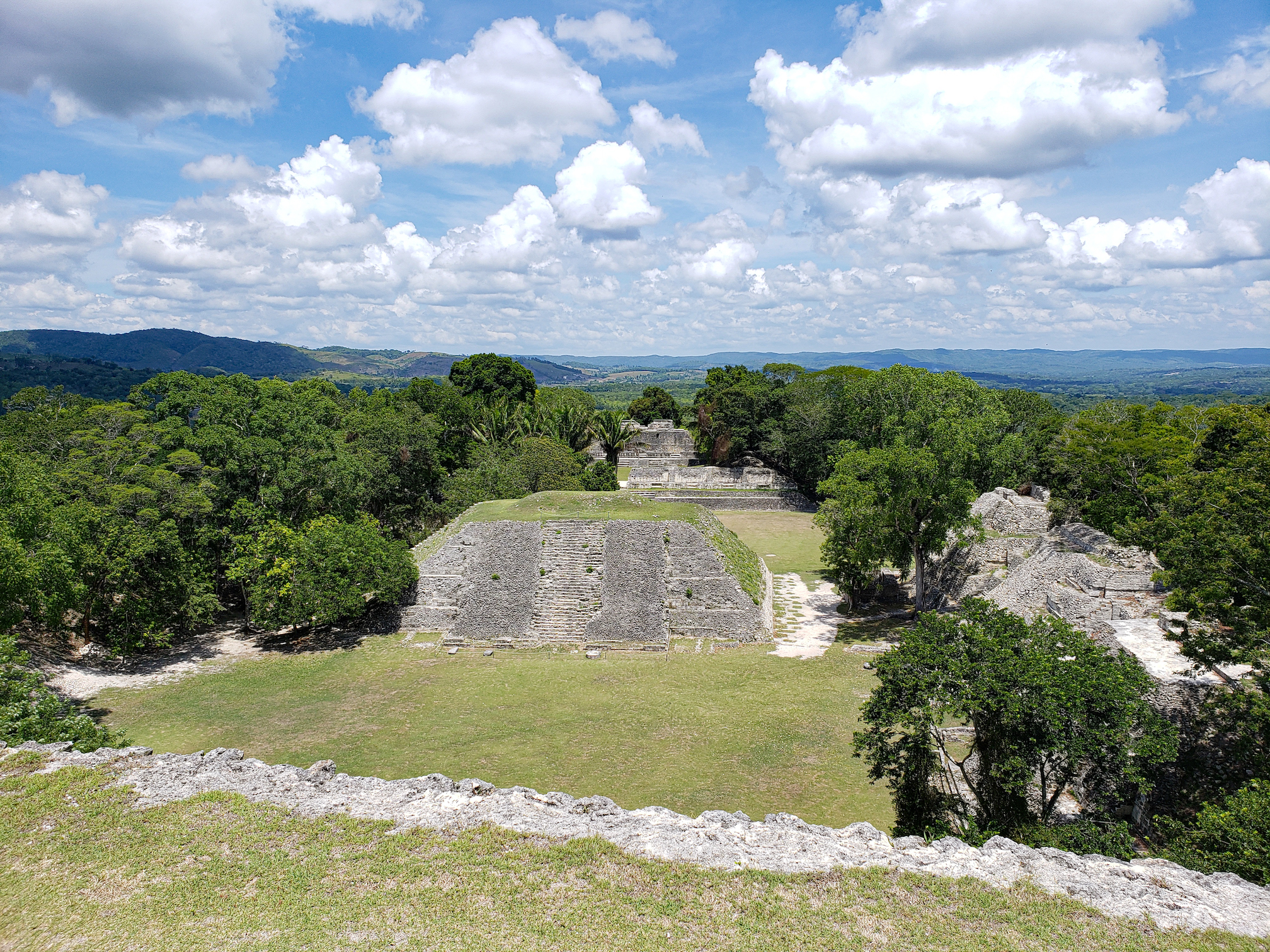 lamanai maya ruins belize vacation